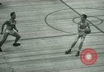 Immagine di Partita di basket New York United States USA, 1946, secondo 10 filmato di repertorio 65675021122