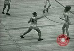 Immagine di Partita di basket New York United States USA, 1946, secondo 11 filmato di repertorio 65675021122