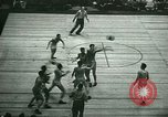 Immagine di Partita di basket New York United States USA, 1946, secondo 13 filmato di repertorio 65675021122