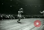 Immagine di Partita di basket New York United States USA, 1946, secondo 22 filmato di repertorio 65675021122