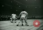 Immagine di Partita di basket New York United States USA, 1946, secondo 41 filmato di repertorio 65675021122
